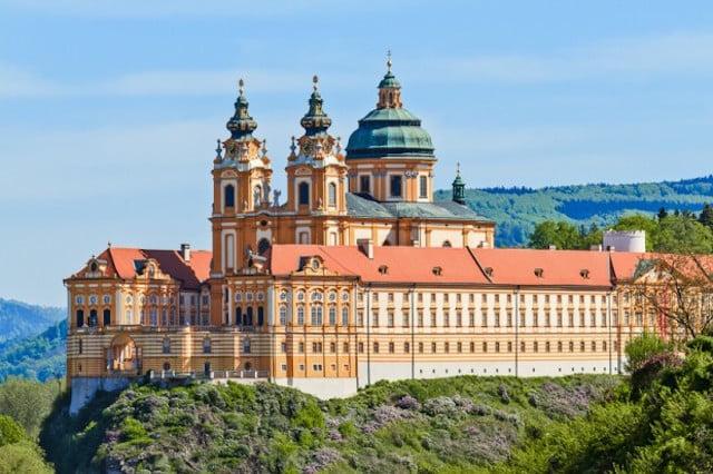 melk manastiri