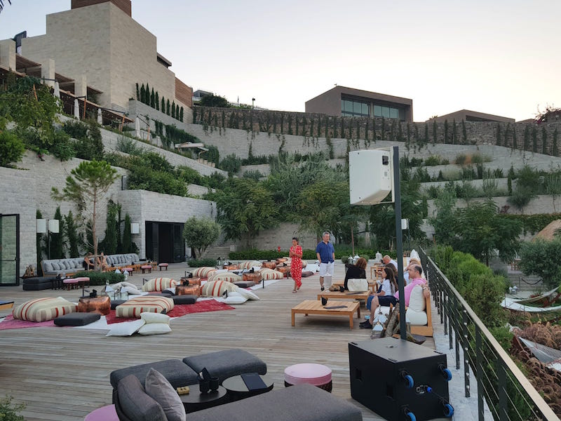 the bodrum edition hotel discetto bar