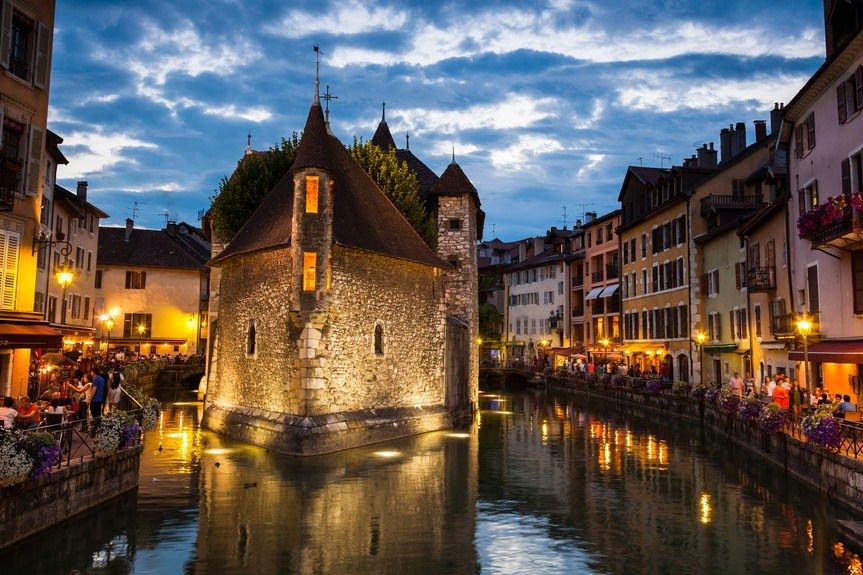 14 Şubat Sevgililer Günü için en romantik avrupa rotaları Annecy