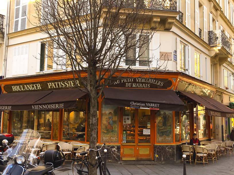 tarihi paris pastaneleri au petit versailles